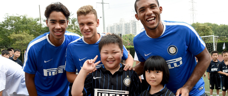 [JUAN JESUS, DELGADO AND DIMARCO VISIT INTER CAMPUS CHINA]