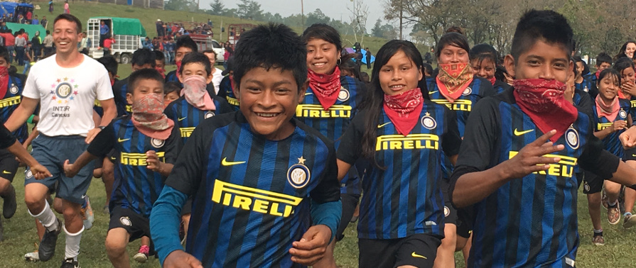 [ZAPATISTA COMMUNITY WELCOMES INTER CAMPUS MEXICO]