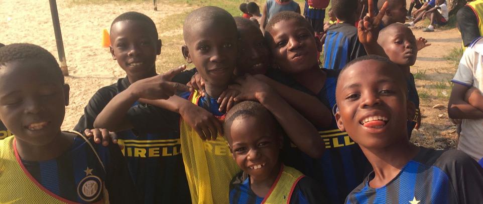[Congo, insieme ai bambini di Camp Kokolo]