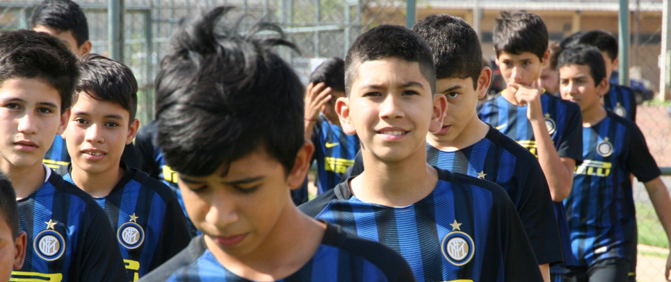 [KIDS OF INTER CAMPUS PARAGUAY GUESTS ON MINISTRY OF SPORT PITCHES]