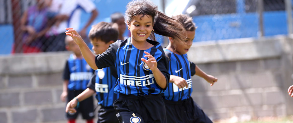 [BRAIDS AND PONYTAILS: INTER CAMPUS VENEZUELA WELCOME NEW PROTAGONISTS]