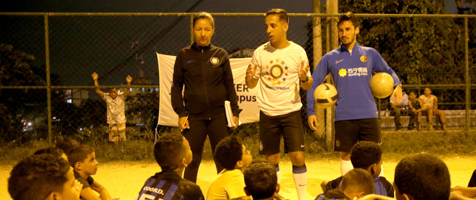 [FROM SÃO PAULO TO RIO DE JANEIRO: A SCHOOL OF LIFE FOR INTER CAMPUS' COACHES]